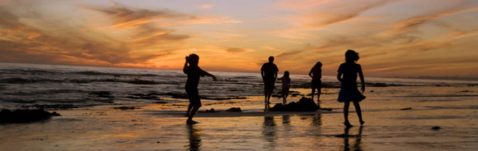 kids-at-sunset-1055x400-950x300